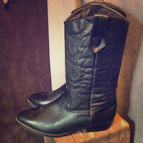 ebecdd798df Seychelles Shoes | 8 12 Black Western Boots Used Lightly | Poshmark